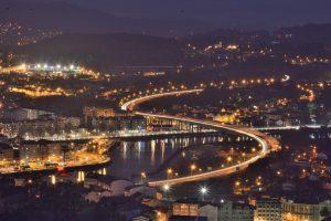 community manager en Pontevedra de noche